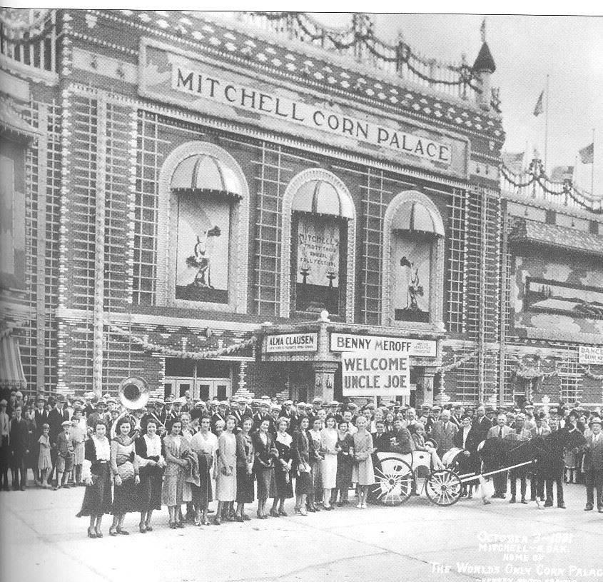 An image of the Corn Palace from 1931.